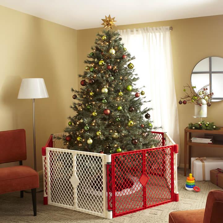 Keep Cat Away From Christmas Tree: Superyard® Holiday Edition