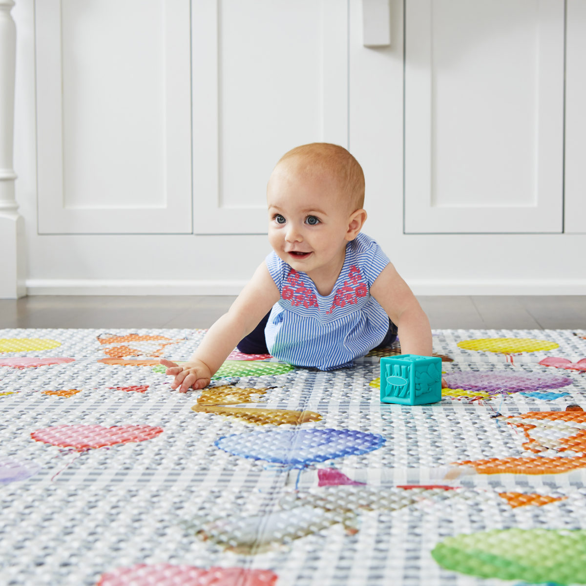 Baby on Balloon Ride Play Mat